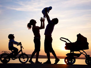 Tập tin:Child-happiness.jpg