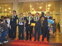 Các thành viên đại diện Thư viện khoa học VLOS tại hành lang hội trường Cung văn hóa hữu nghị Việt - Xô sau khi kết thúc chương trình trao giải