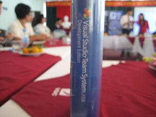 Tập tin:Visual Studio Team System 2008 - Development Edition - Giai Sang tao Nhantaidatviet 2008.JPG