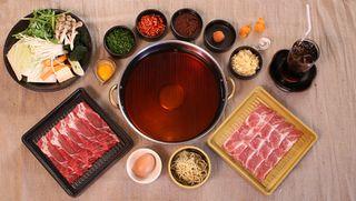 Tập tin:Che-bien-lau-sukiyaki.jpg